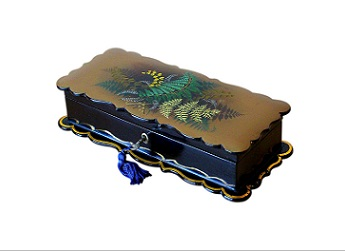 Beautiful Rare Victorian Fernware Jewellery Box
