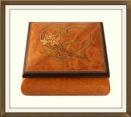 SOLD Vintage Italian Heart Inlaid Jewellery Box