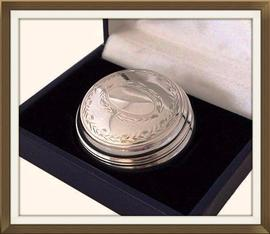 Beautiful Vintage Hallmarked Silver Pill Box